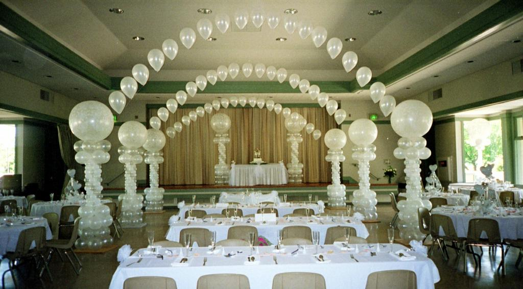 Elegant birthday table decorations - Wedding Balloon Canopies Are Elegant Features For Wedding Decorations